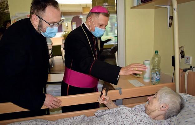 Święty zawitał do hospicjum
