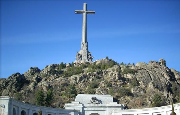 Hiszpania: 55 tys. podpisów pod apelem o zaniechanie usunięcia krzyża z Doliny Poległych