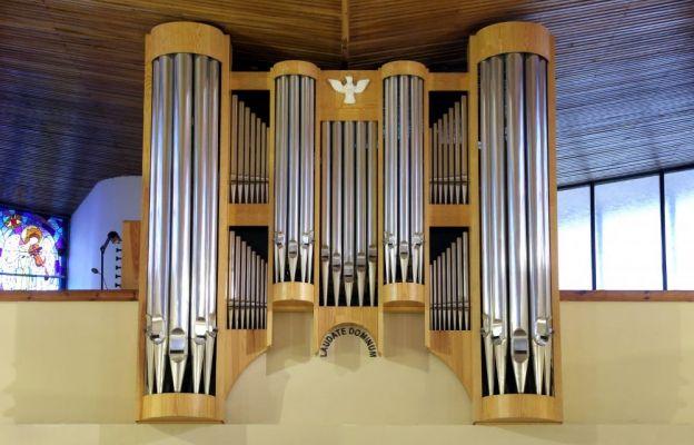 Organy w parafii Najświętszego Serca Pana Jezusa w Lubojnie