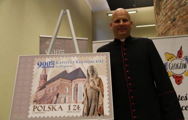Znaczek z okazji 900-lecia głogowskiej Kapituły Kolegiackiej