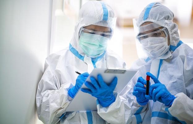 Rzecznik MZ: jesteśmy zabezpieczeni pod kątem łóżek i respiratorów dla pacjentów z COVID-19