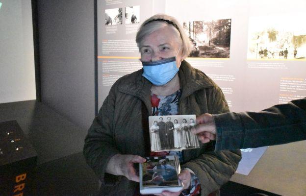 Irena Biernacka, siostra st. strz. Tadeusza Chwiłki, który służył w plutonie rozpoznawczym 10 Pułku Strzelców Konnych.