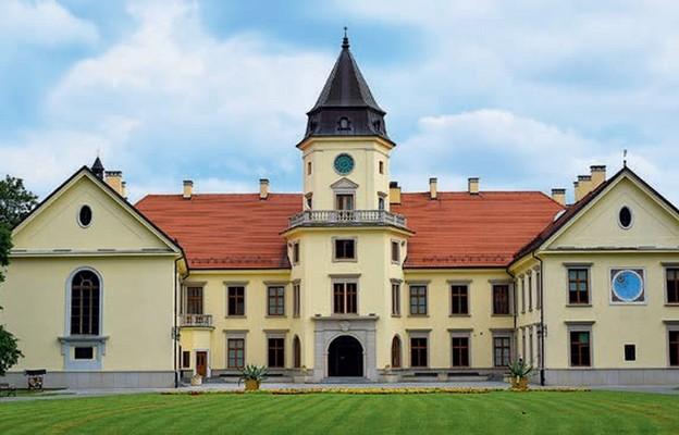 Zamek Tarnowskich w Tarnobrzegu Dzikowie