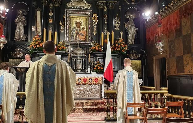 Jasna Góra: uroczyste złożenie Wielkiej Księgi Łask otrzymanych za przyczyną św. Jana Pawła II