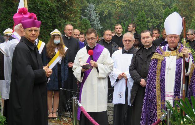 Pogrzeby zasłużonych kapłanów