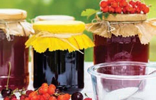 Przetwory z owoców czarnego bzu i jarzębiny