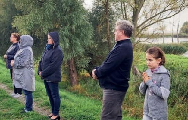 Modlitwa różańcowa na granicy w Ognicy