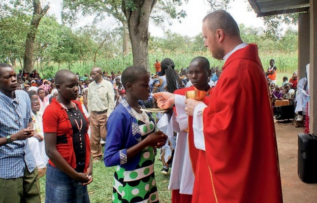 Ks. Krzysztof Dybał zposługą sakramentalną na misjach