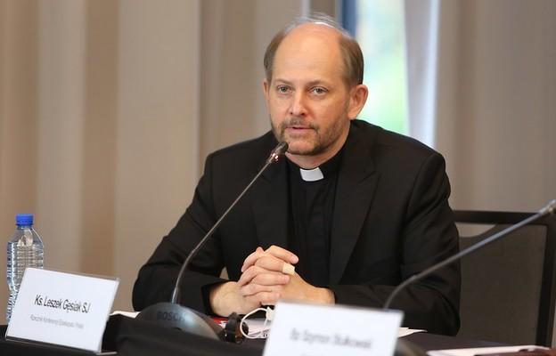 Rzecznik Episkopatu: Znajdźmy czas na zakorzenione w polskiej tradycji