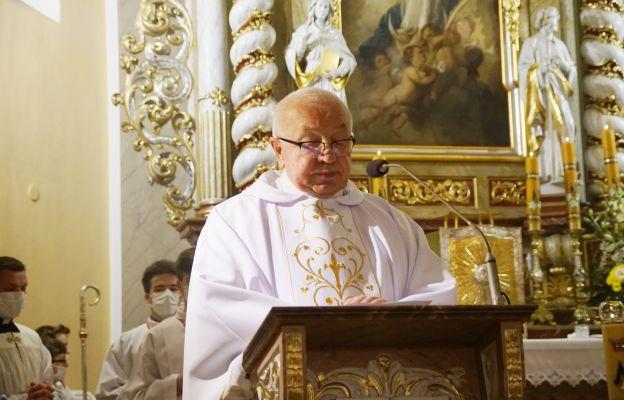 Podczas Mszy św. o papieżu Polaku mówił ks. prał. Antoni Kopacz