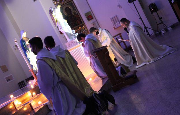 Ks. Krzysztof Hojzer dokonał zawierzenia wspólnoty, rodzin i całej Ojczyzny św. Michałowi Archaniołowi