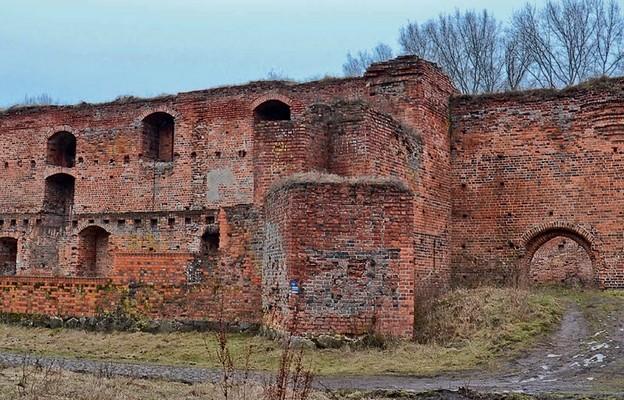 Zamek Dybowski posiadał imponujące rozmiary