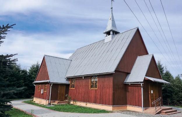 Zamarzyli owłasnym kościele
