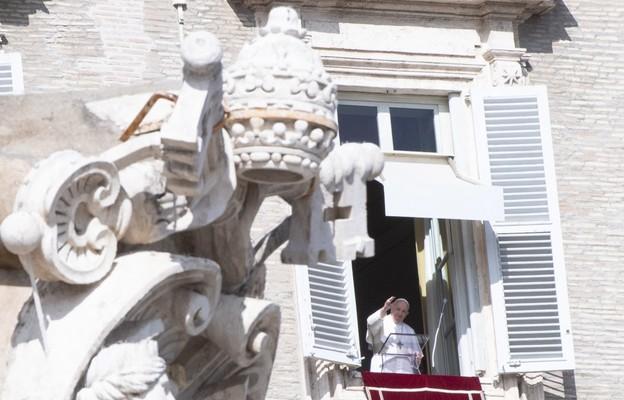 Franciszek: miłość Boga i miłość bliźniego są ściśle ze sobą związane