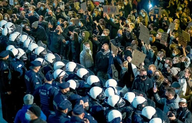Katowicka kuria: nie było zgody na demonstrację narodowców na schodach katedry