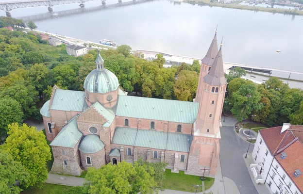 Diecezja płocka: profanacja miejsc sakralnych podczas protestów Strajku Kobiet