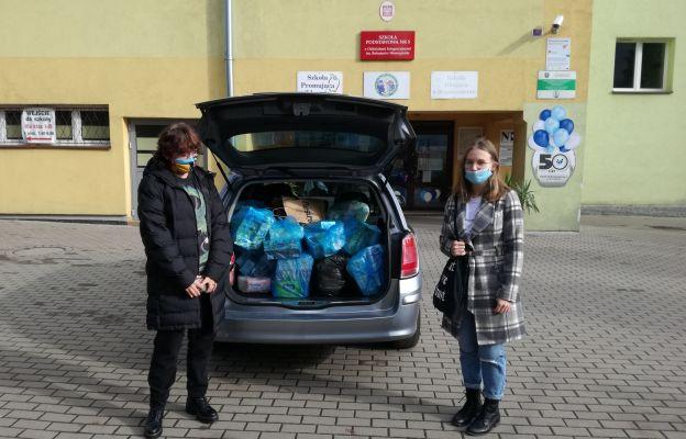 Uczniowie SP nr 5 bardzo chcieli spotkać się z podopiecznymi dzierżoniowskiego ZOL-u, tym razem przekazali tylko środki czystości