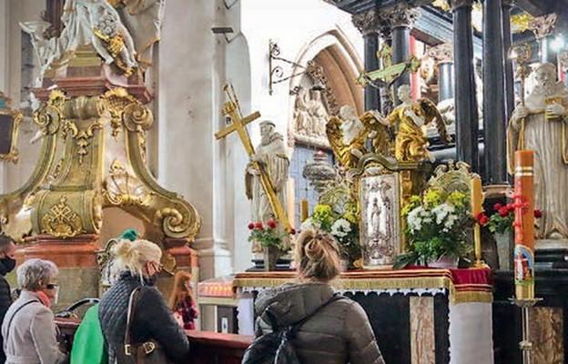 Kult św. Jadwigi Śląskiej rozwija się nie tylko w Trzebnicy