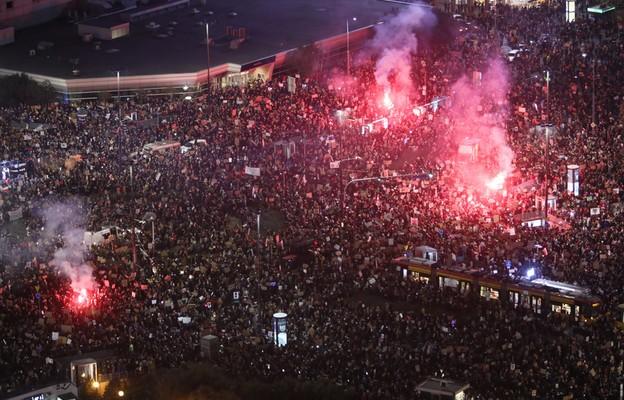 Warszawa: Policja interweniuje wobec pseudokibiców; zatrzymano kilkanaście osób