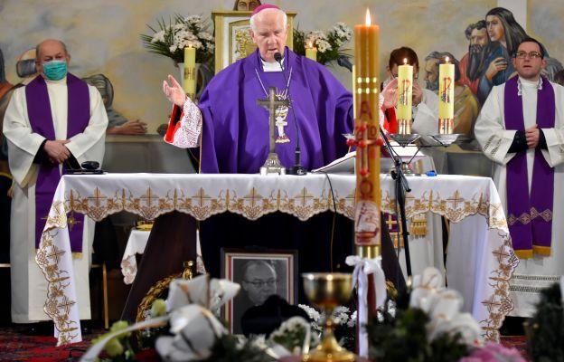 Mszy św. żałobnej w Kaczorowie przewodniczył bp Ignacy Dec