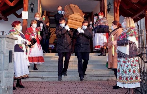 Uroczystości pogrzebowe zasłużonego kapłana