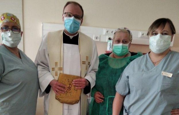 Ks. Tomasz Duszczak jest kapelanem szpitala w Nowej Soli
