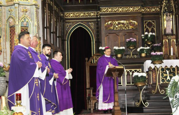 Uroczystości żałobne zgromadziły wielu kapłanów