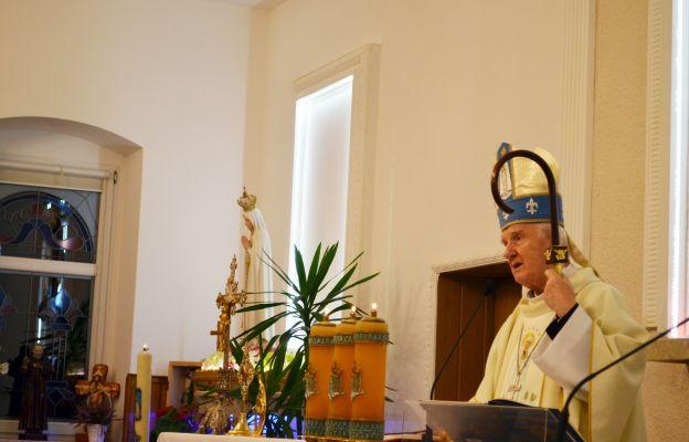 Emerytowany biskup świdnicki Ignacy Dec podczas homilii w polanickim sanktuarium MB Fatimskiej.