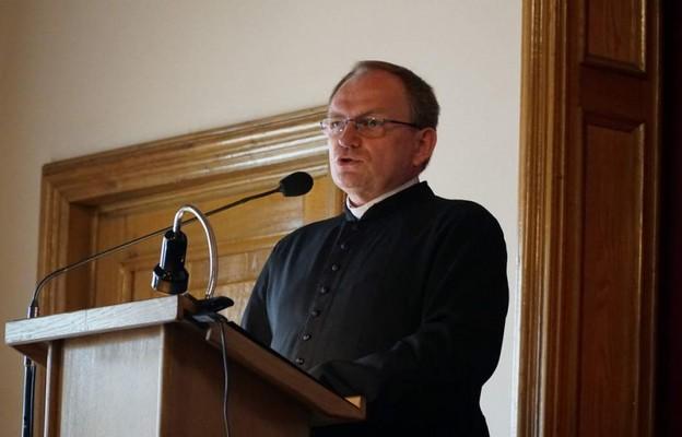 Ks. Robert Kantor ws. pozwu przeciw ks. Isakowiczowi-Zaleskiemu: to pozew prywatny, nie dotyczy sprawy ks. Stanisława P.