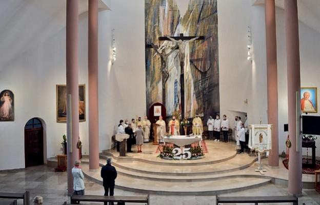 Eucharystia z okazji 25 lat parafii w Bilczy