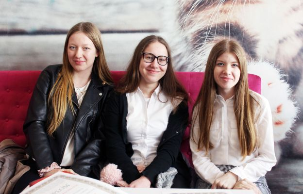 Uczennice I LO w Świdnicy , zeszłoroczne laureatki diecezjalnego i ogólnopolskiego etapu Olimpiady Teologii Katolickiej
