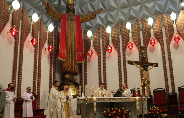 Eucharystii przewodniczył ks. Paweł Figura SDB