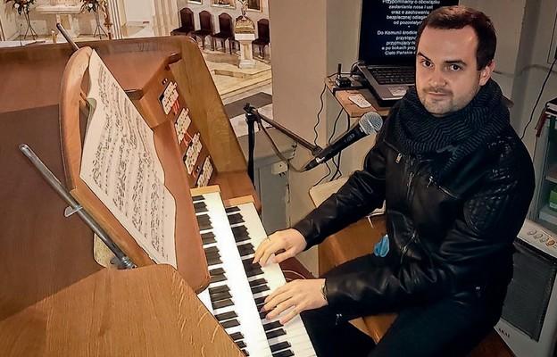 Krzysztof Sobczuk, organista parafii Opieki św. Józefa we Wrocławiu