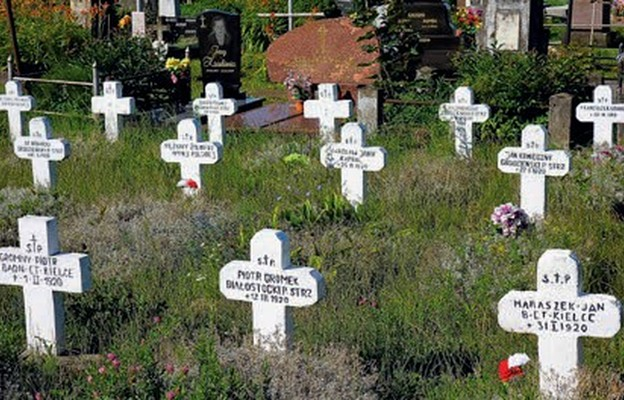 Cmentarz farny w Grodnie