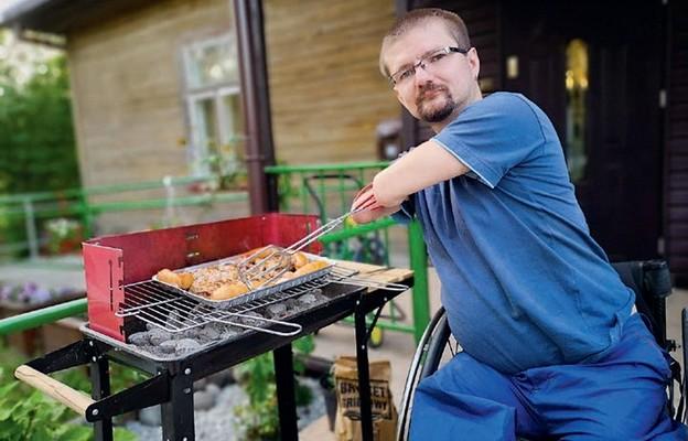 Pomimo niepełnosprawności, Jan radzi sobie świetnie
