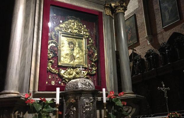Obraz został umieszczony w późnobarokowym ołtarzu bocznym wrocławskiej katedry