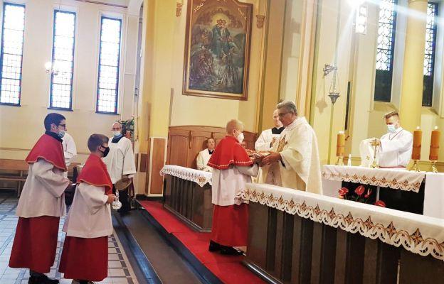 Mszy św. odpustowej przewodniczył ks. prał Zygmunt Kokoszka – dzierżoniowski dziekan