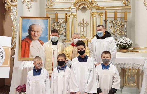 Wolbórz: Z dumą wstąpili w grono ministrantów