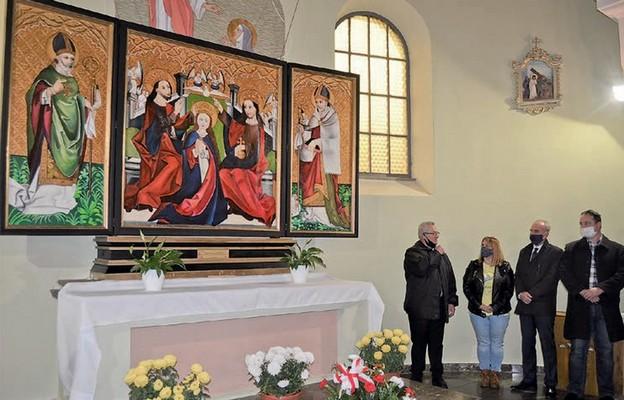Kopia tryptyku w nawie kościoła w Balicach
