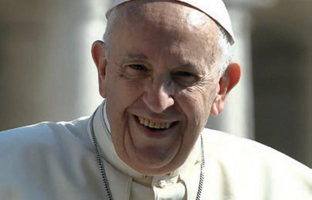 """Papież chwali poezję: """"to pieśni bez nut"""""""