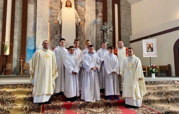 Kandydaci na lektorów z par. św. Brata Alberta ze Świebodzic