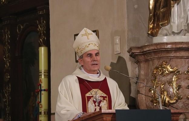 Bp Ciereszko: potrzebna jest opieka św. Józefa nad Kościołem