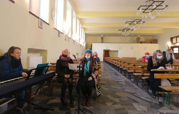 Śpiew przed Eucharystią
