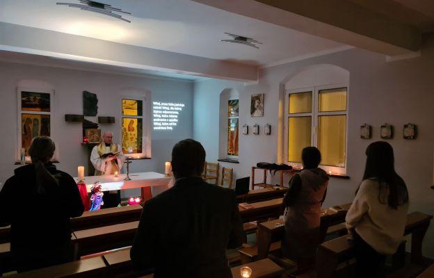 Akatyst w kaplicy duszpasterstwa akademickiego przeżywało 5 osób