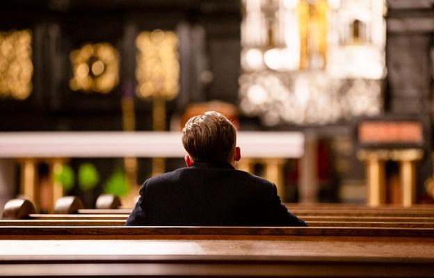 Po świętach kwarantanna narodowa - limity w kościołach bez zmian