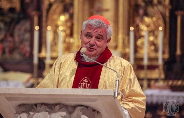 Kard. Krajewski o kolejnych szczepieniach bezdomnych w Watykanie