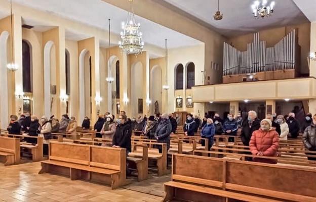 Zmarłego kapłana żegnali wierni, z którymi przeżył ostatnie 27 lat