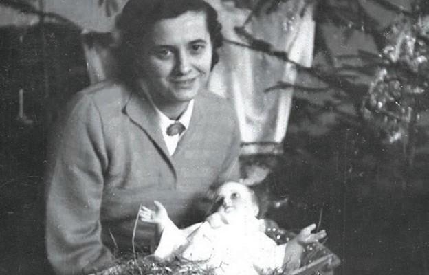 Maria Okońska podczas świąt Bożego Narodzenia 1957 r