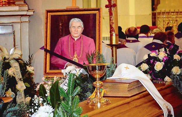 ks. Rroman Marszalec pozostał w pamięci wiernych i kapłanów
