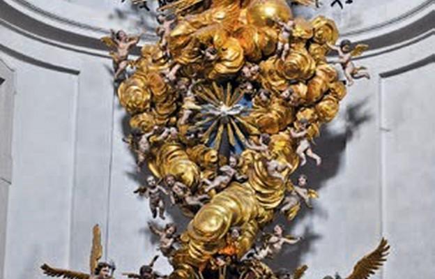 Ołtarz z figurką Dzieciątka Jezus w sanktuarium w Christkindl